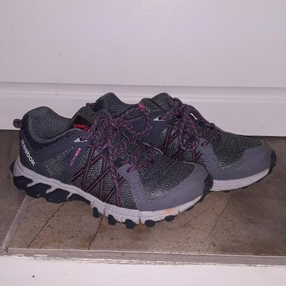 Reebok Microweb Size 7 Shoes